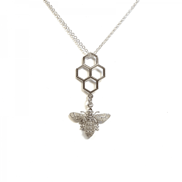 Honeycomb and pee pendant in silver