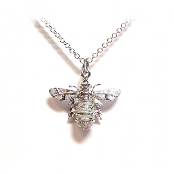 Large bee pendant in silver