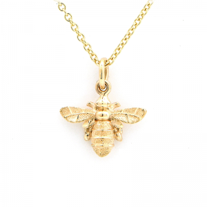 Large bee pendant in solid gold